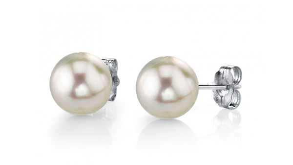 Akoya zoutwaterparels op 925 zilveren oorstekers