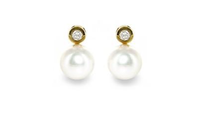 Gouden 8,5-9 mm Akoya parel oorstekers met diamant