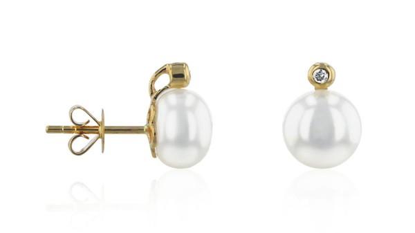 Gouden oorknopjes met 8-8,5 mm zoetwaterparel en diamant