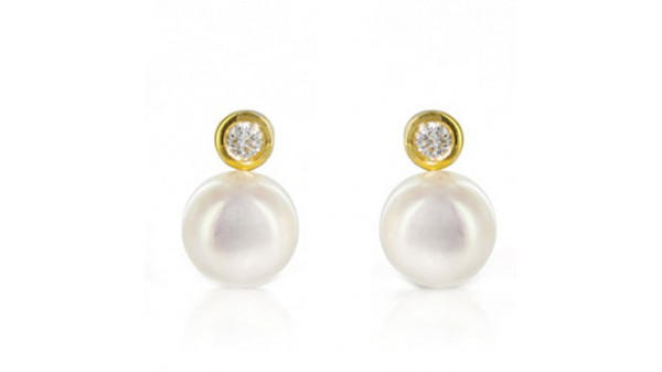6,5-7 mm Akoya pareloorstekers met diamant