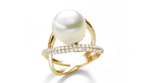 18k gouden ring met 11-12 mm Zuidzee parel en diamant