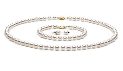 Exclusieve set van witte Akoya parels