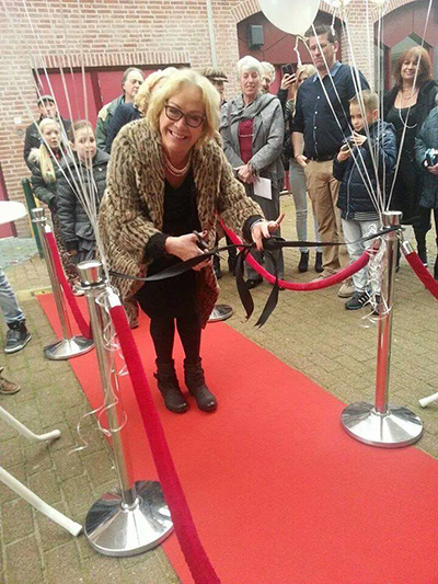 Viola Holt opent parelwinkel in Bussum
